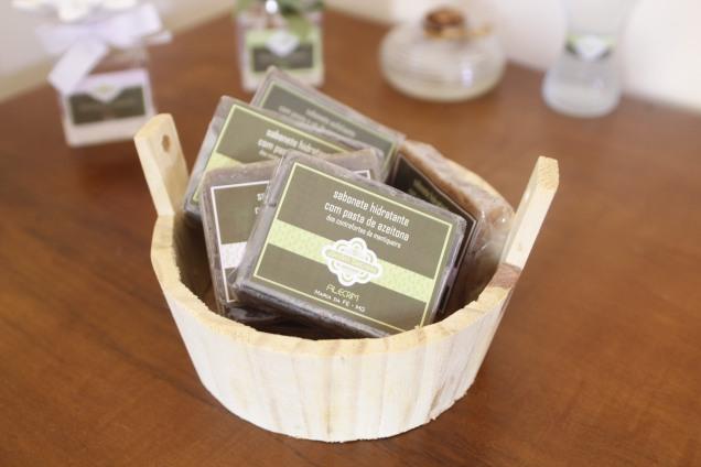 2892- sabonete artesanal com resíduo da extração de azeite de oliva feita em Maria da Fé - Foto Samantha Mapa- EPAMIG