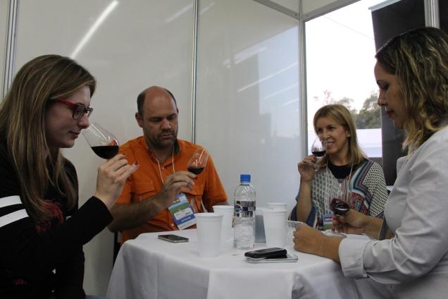 Curso de degustação de vinhos é destaque na programação da Expocafé