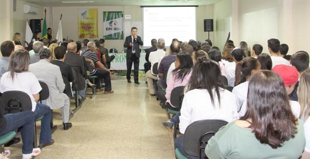 4172-epamig-e-incra-assinam-convenio-para-educacao-tecnica-de-estudantes-oriundos-de-reforma-agraria-e-agricultra-familiar
