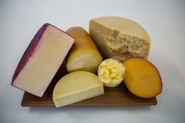 (113) queijos e produtos lácteos serão destaque na Mostra de Resultados e na Degustação comentada no domingo (17)