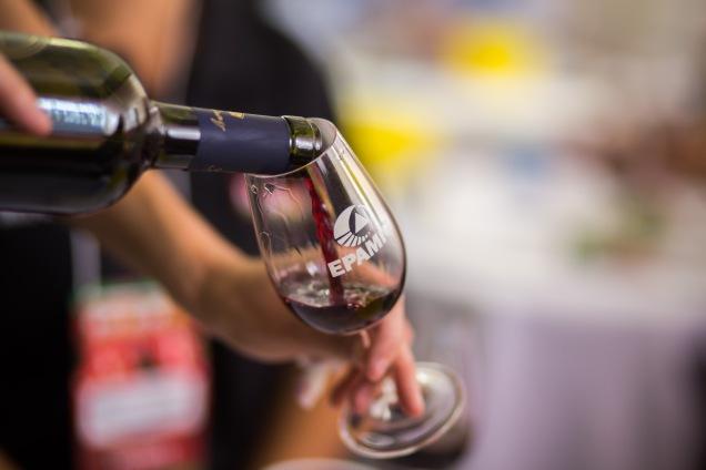 EPAMIG adaptou tecnologia para produção de vinhos finos de inverno no Sudeste brasileiro -vinho com tecnologia da EPAMIG - Foto Kelly Brito