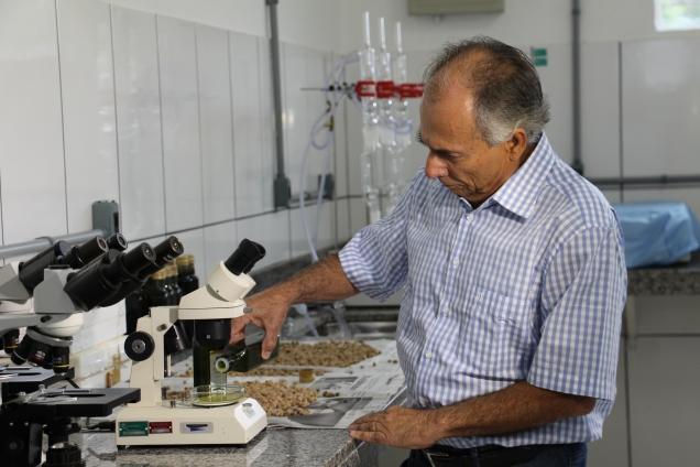 Pesquisador Adelson Francisco de Oliveira