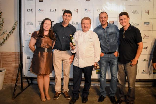Chef Laurent Suaudeau com equipe Epamig